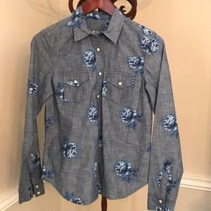 Gap 1969 denim button down with floral pattern